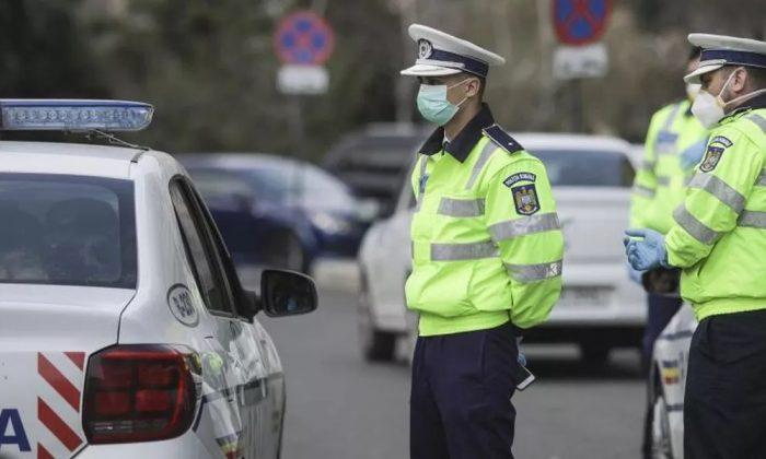 Exclusiv! Un avocat le-a donat sute de măști polițiștilor ieșeni! Trebuie să ne gândim la oamenii care sunt cei mai expuși!